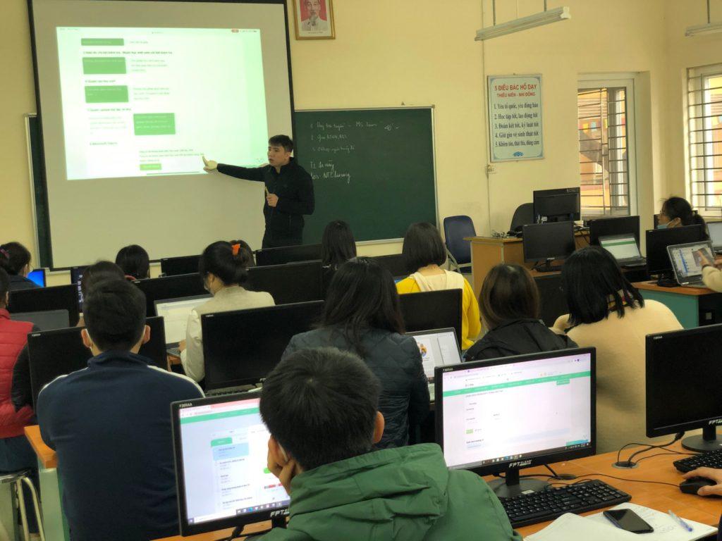 dạy học trực tuyến mùa dịch